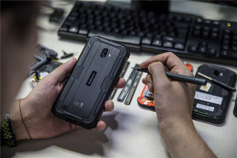 "The ""SPACE CAPSULE"" rugged outdoor phone Blackview BV5900 leaked pictures"